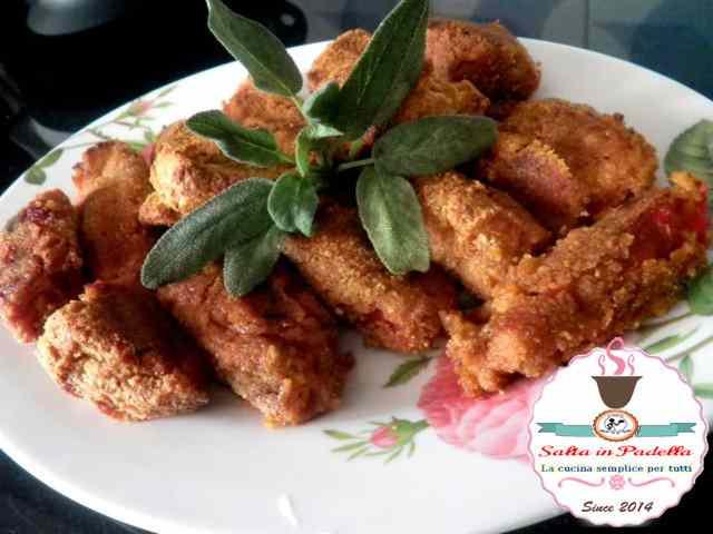 Ricetta: Involtini di peperoni con salsiccia piccante