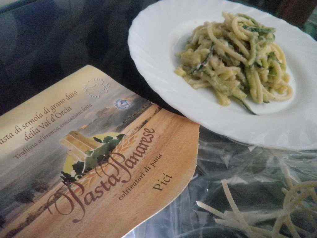 Ricetta: Finta carbonara di Pici con zucchine e mozzarella di bufala