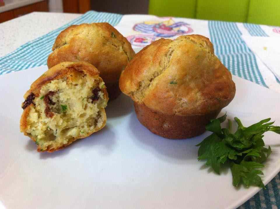 Ricetta: Muffin salati con patate e pomodori secchi