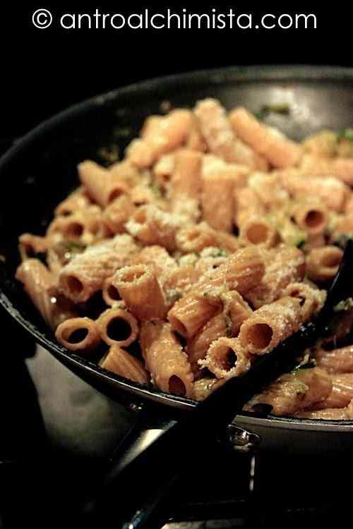 Ricetta: Rigatoni integrali con zucchine e stracchino