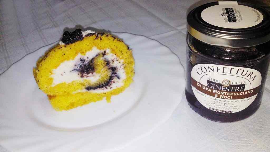 Ricetta: Tronchetto con ricotta di bufala e confettura di Uva Montepulciano e noci