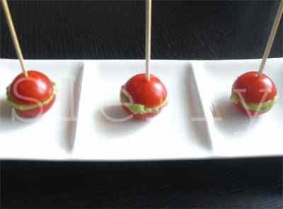 Ricetta: Baci di pomodori ripieni di Guacamole