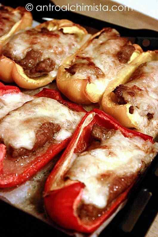 Ricetta: Peperoni Ripieni di Salsiccia e Provolone