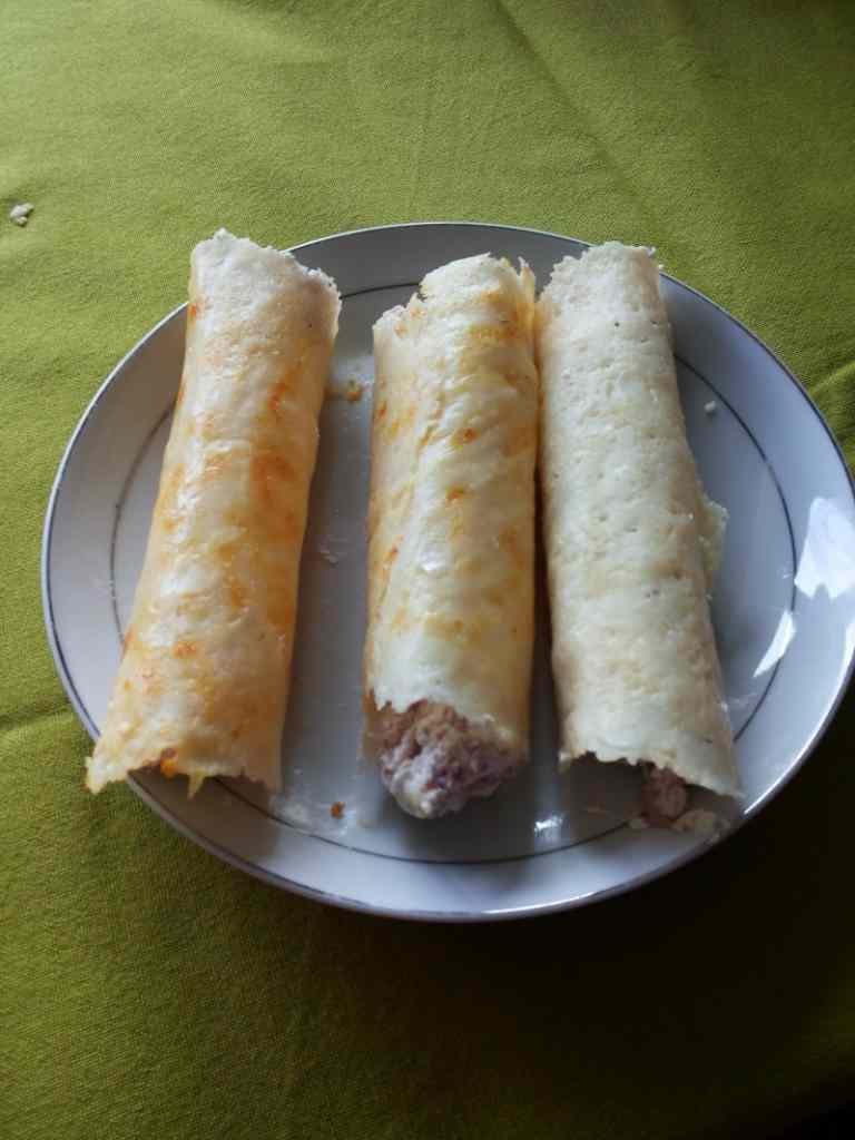 Ricetta: Cannoli di formaggio con crema allo speck