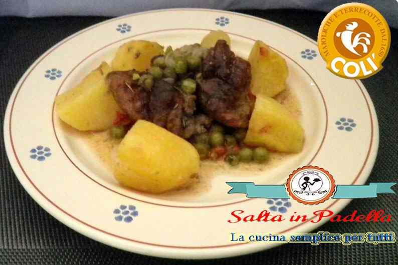 Spezzatino di tacchino al forno con patate e piselli