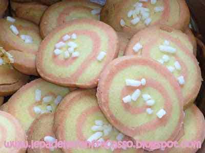 Ricetta: Biscotti bicolore per la raccolta Pink