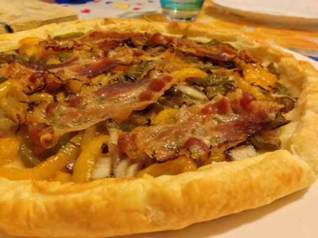 Ricetta: Torta salata ai peperoni con guanciale