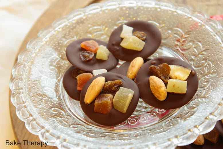 Ricetta: Mendiants al cioccolato fondente e frutta secca