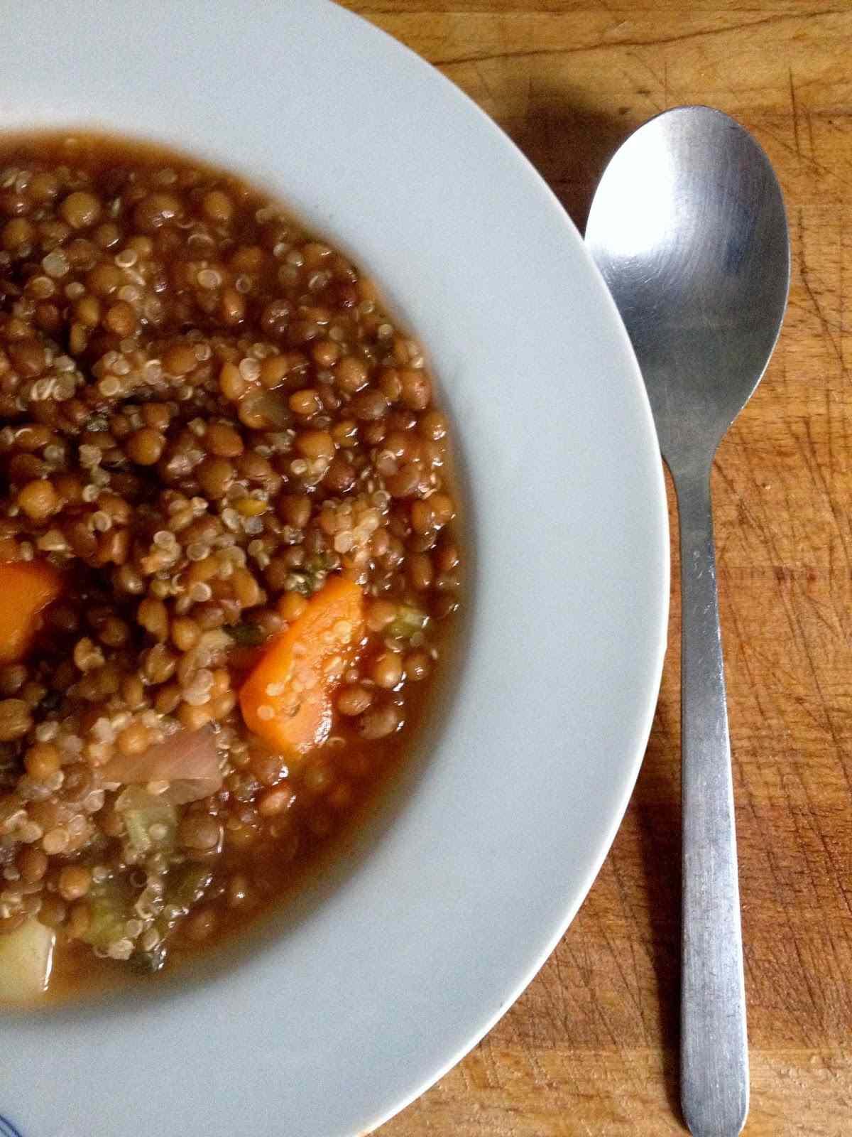 Minestra di lenticchie e quinoa