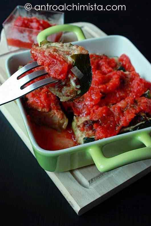 Ricetta: Zucchine Ripiene di Tonno in Salsa di Pomodoro