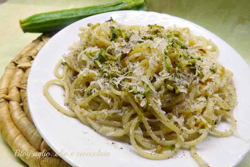 Cacio e pepe con le zucchine
