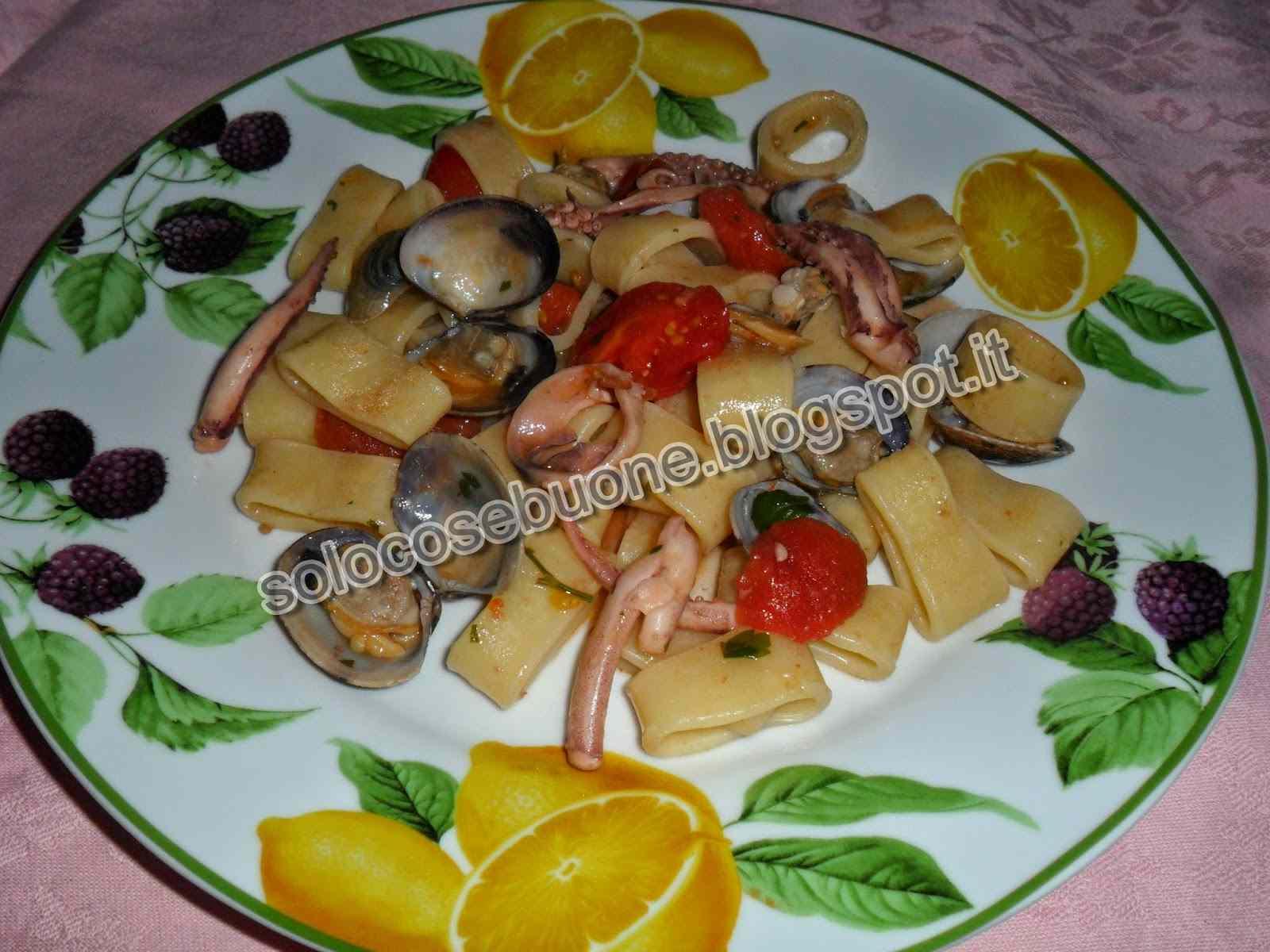 Ricetta: Calamarata con vongole e totani