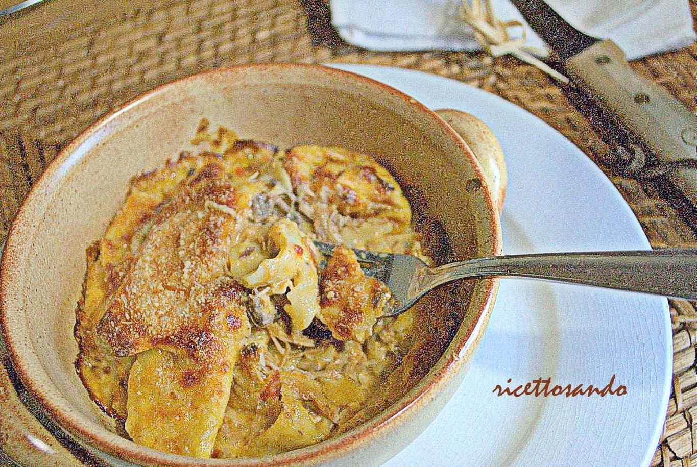 Ricetta: Pasta al gratin con ragu di pollo
