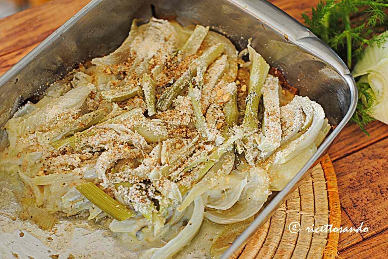 Ricetta: Finocchi al forno con cipolle e montasio