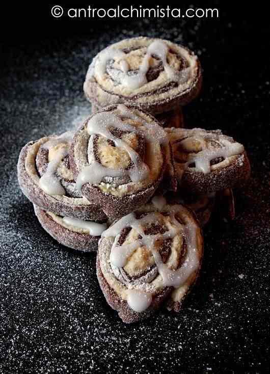 Ricetta: Biscotti bicolori glassati