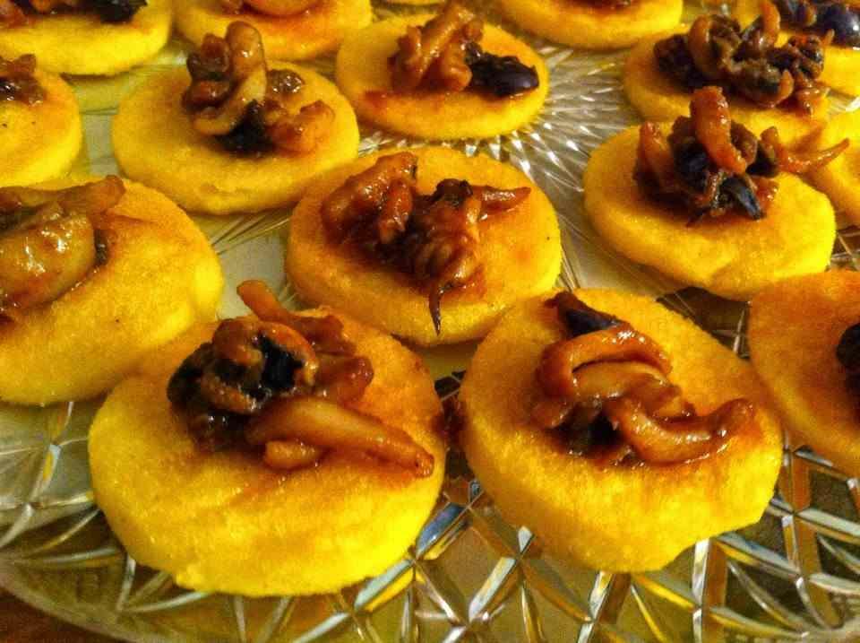 Ricetta: Crostini di polenta con seppioline