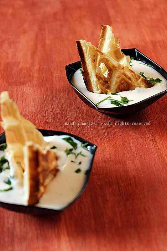 Ricetta: Cialde salate con mousse di ricotta e salmone