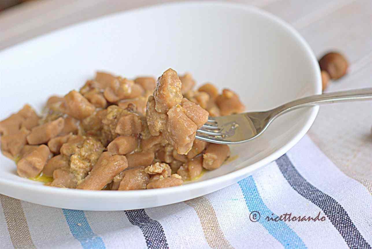 Ricetta: Gnocchi di castagna in salsa di noci