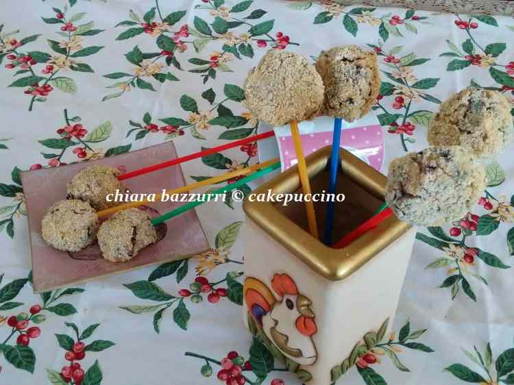 Cake pops salati di ricotta e radicchio