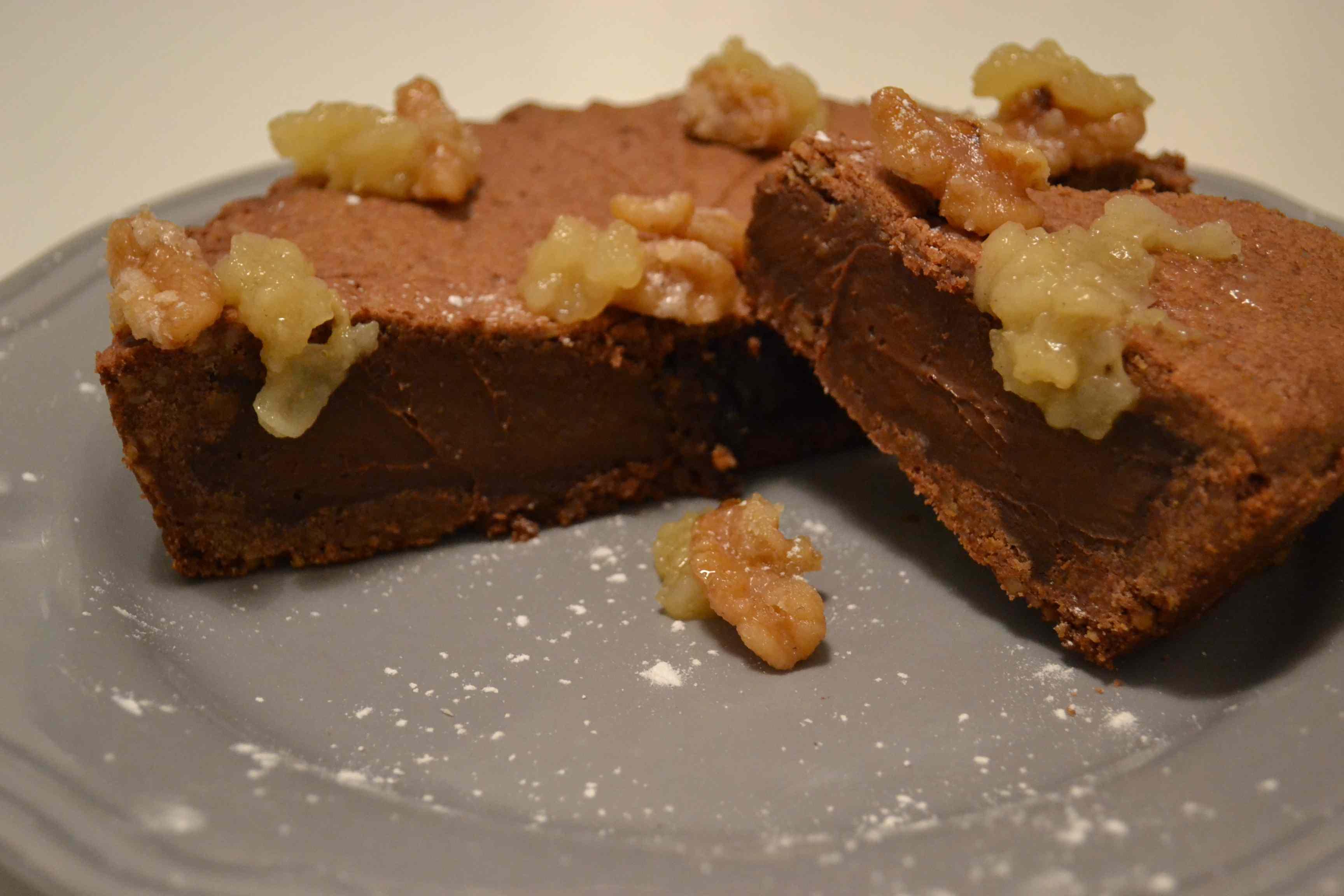 Crostata chiusa noci,pere,caramello e non può mancare il cioccolato
