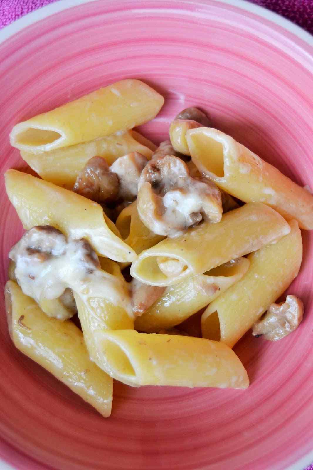 Ricetta: Pennoni porcini e castagne con fonduta di malga