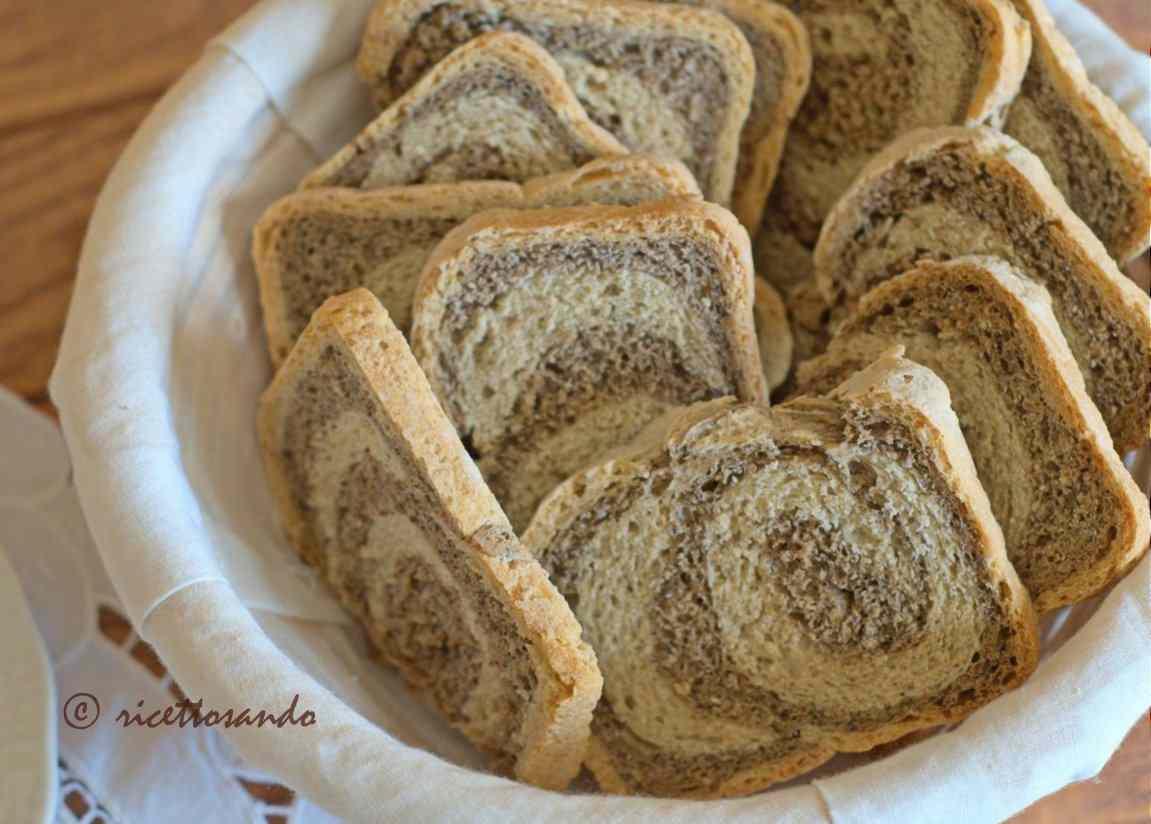 Ricetta: Fette biscottate variegate con orzo e saraceno