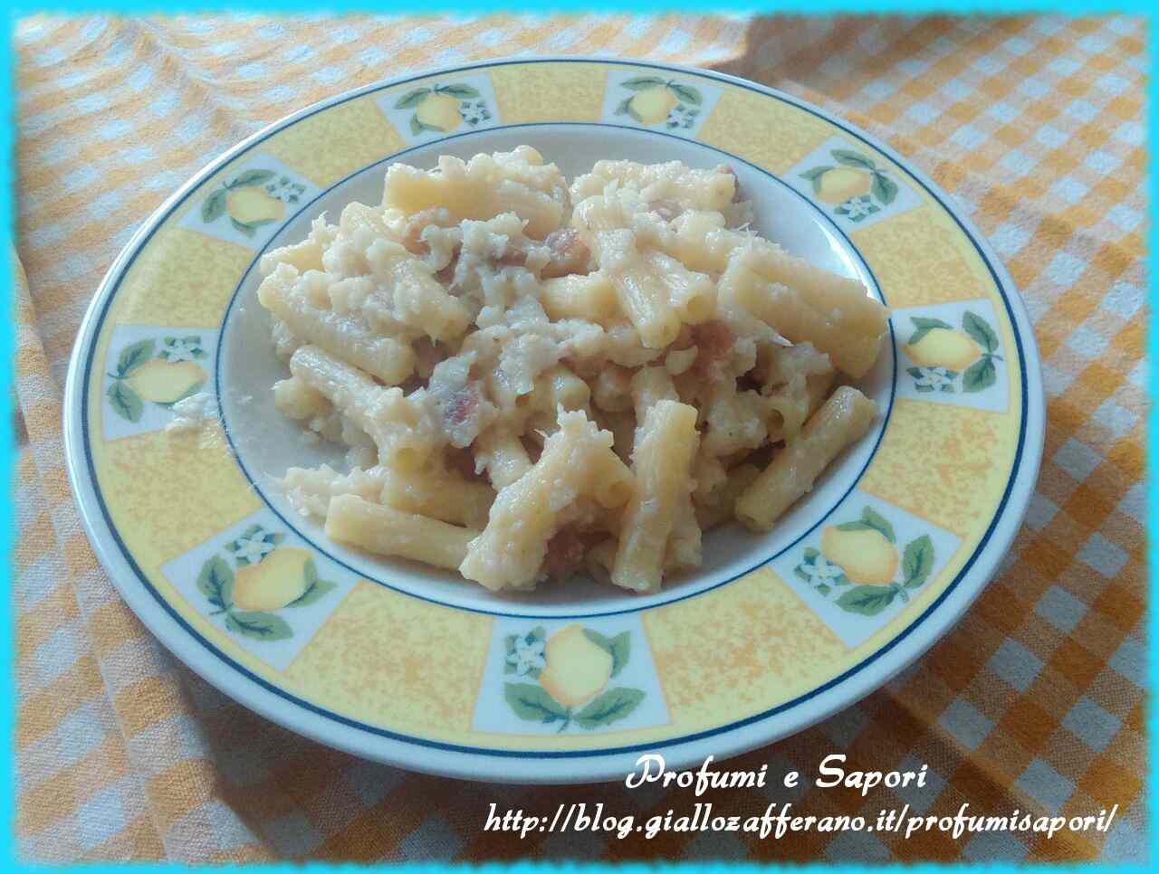 Pasta con cavolfiore e crostini