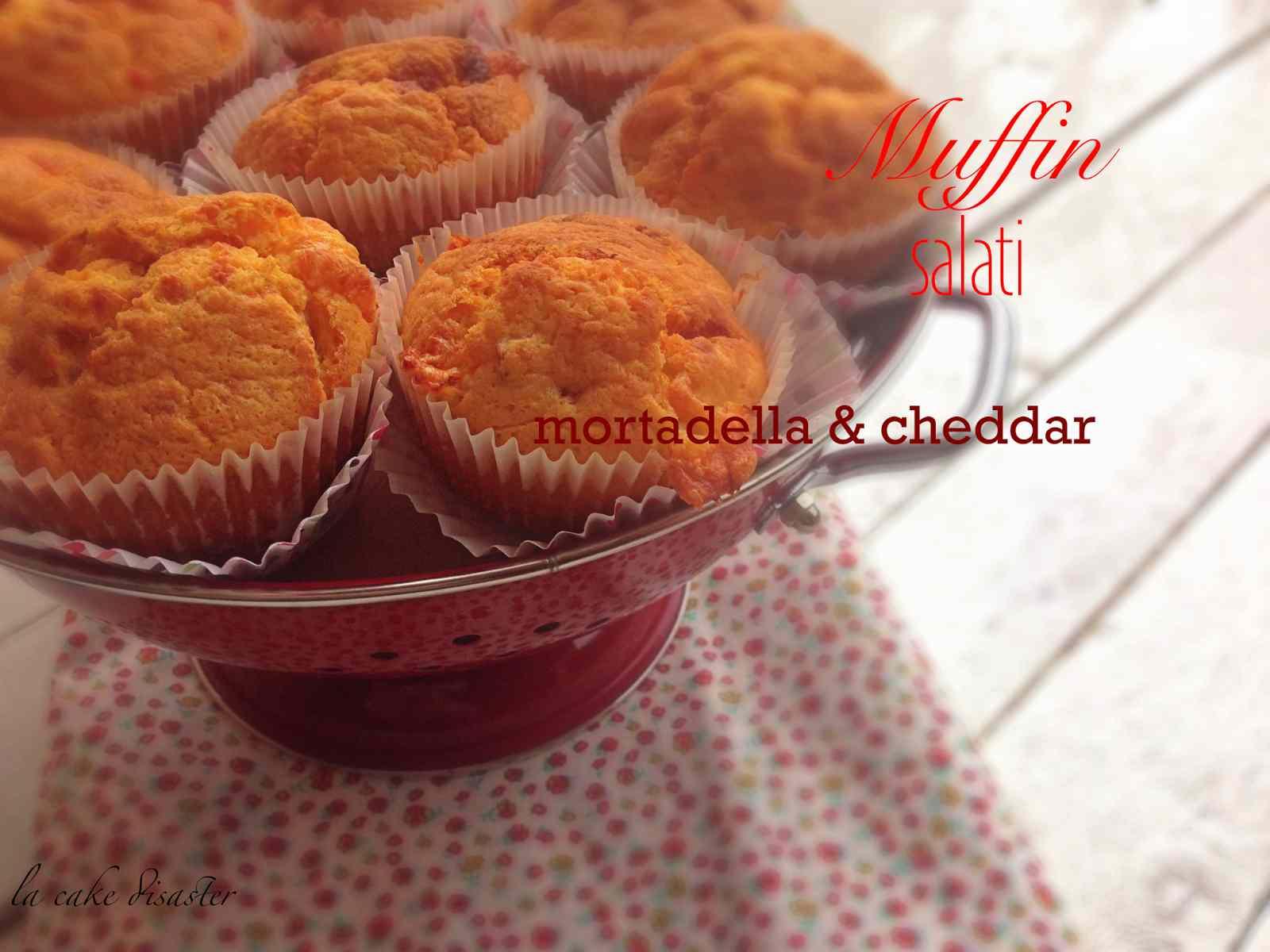 Ricetta: Muffin salati mortadella e cheddar al profumo di curcuma