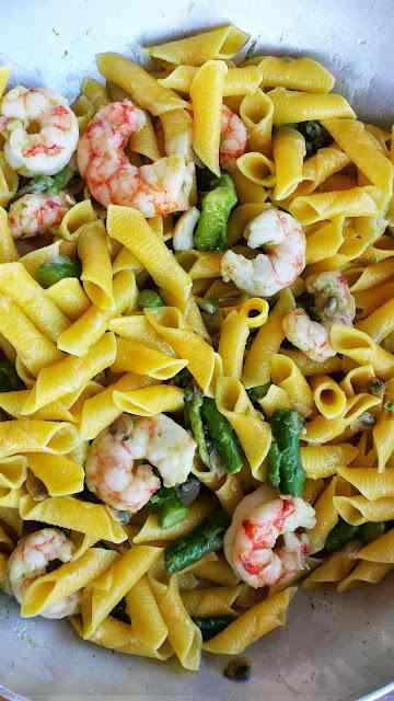 Ricetta: Garganelli asparagi, gamberoni e vongole