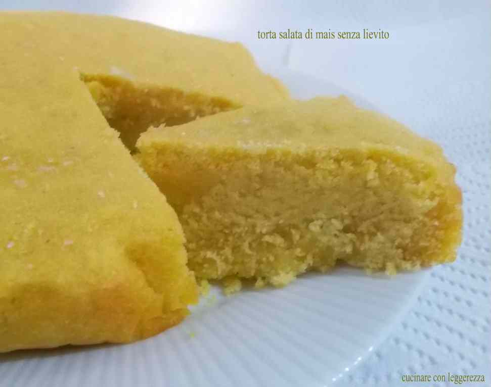 Torta salata di mais senza lievito