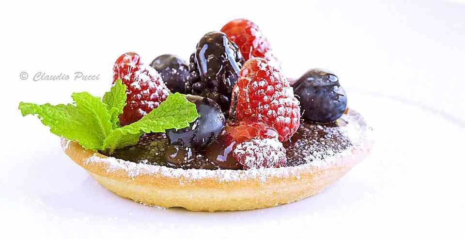 Ricetta: Crostatina alla ganache di cioccolato con frutti di bosco