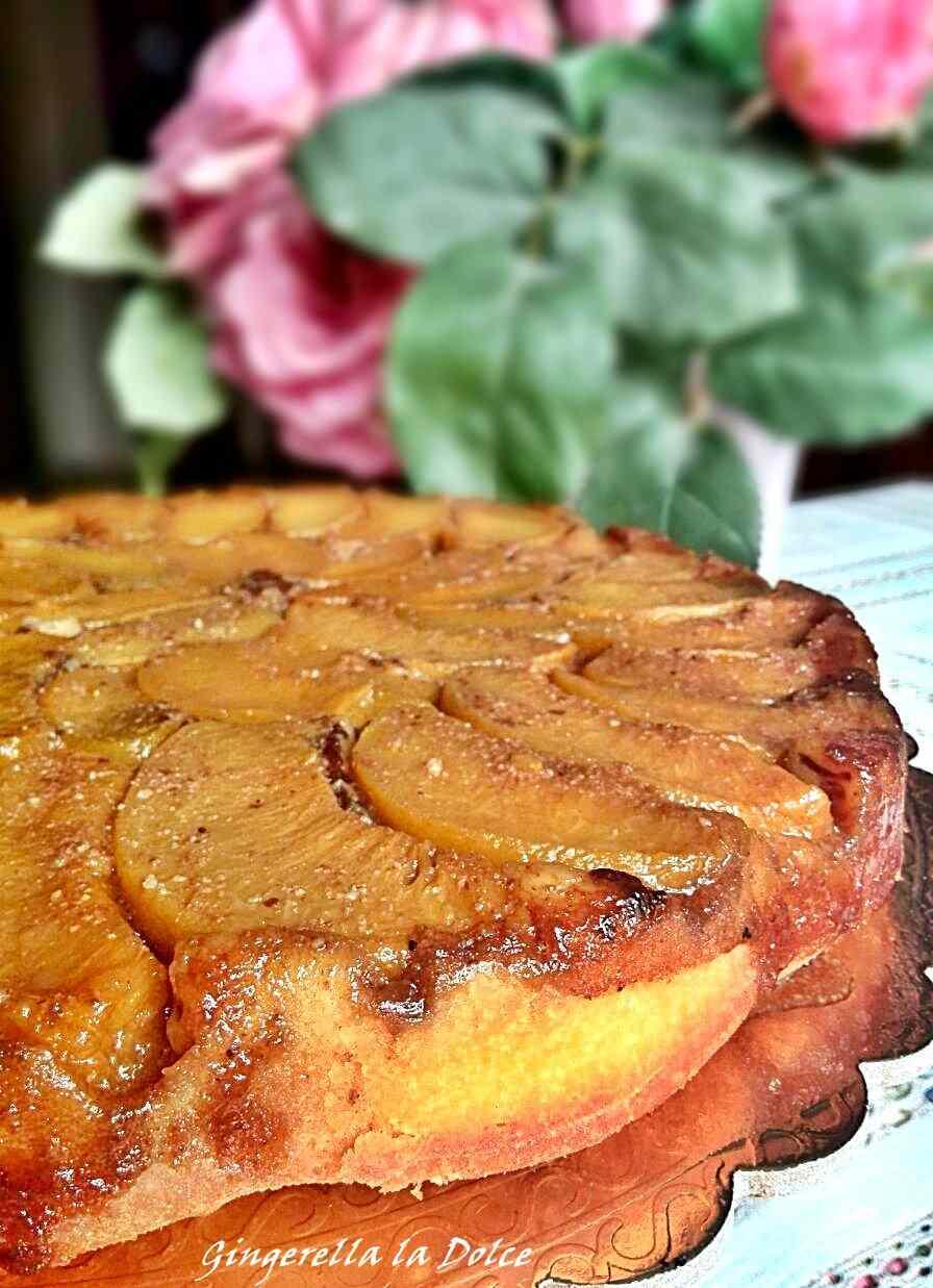 Ricetta: Torta rovesciata pesche e amaretti