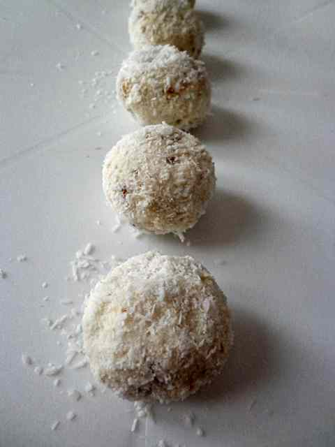 Praline di cocco e cioccolato bianco