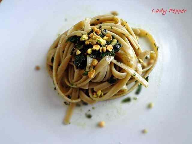 Fettuccine basilico e pistacchi