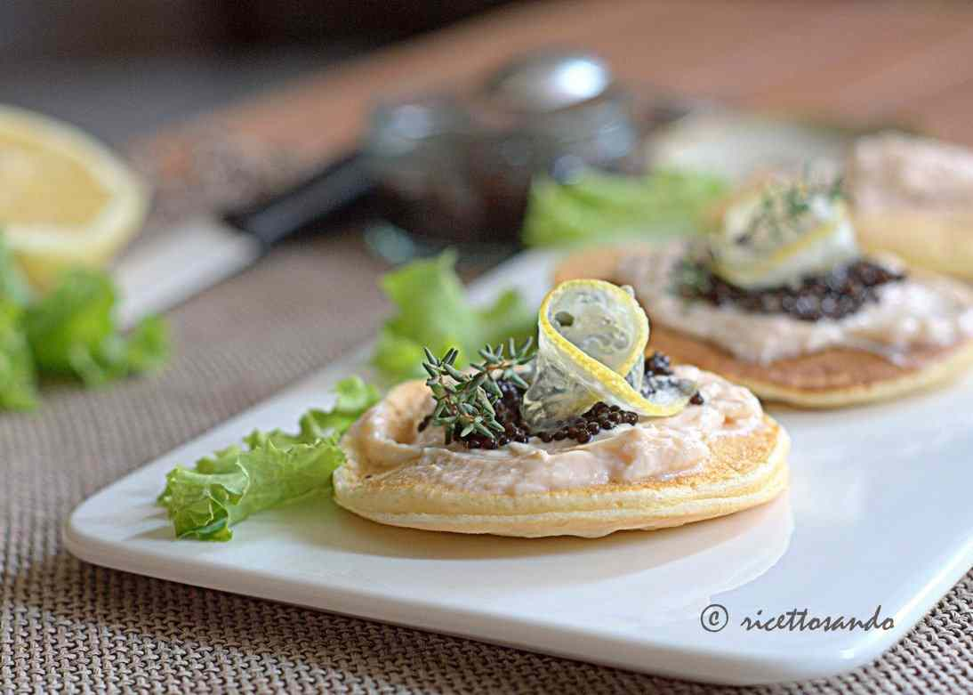 Blini di mousse al salmone light