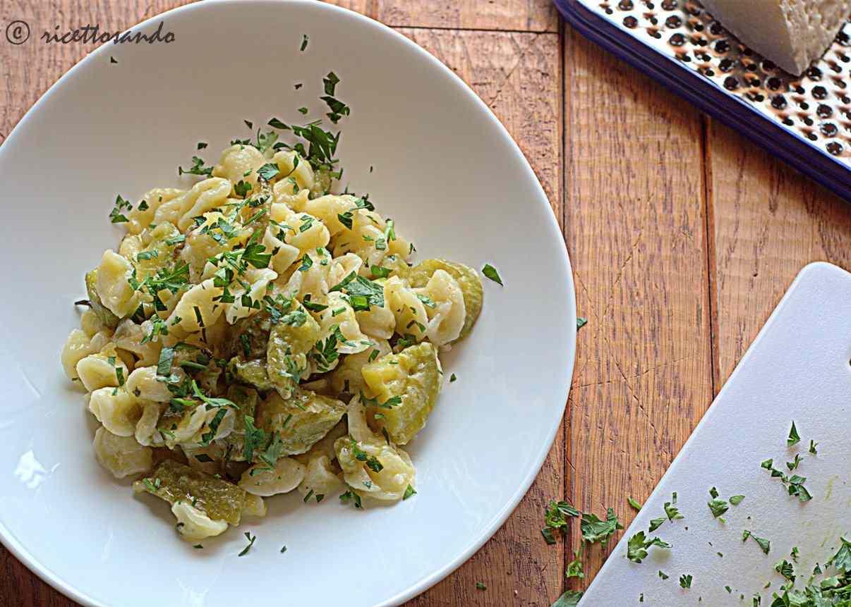 Ricetta: Pasta fatta in casa e zucchine