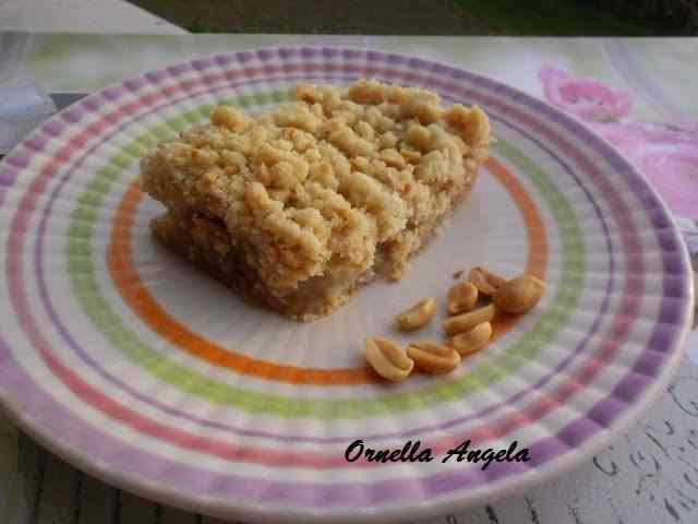 Ricetta: Crumble alle pere speziate e arachidi salate