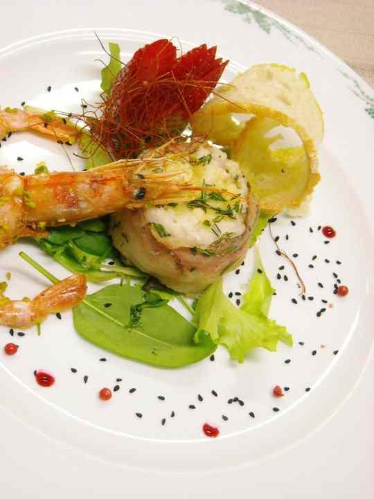 Tartara di baccalà con lardo di colonnata e verdure croccanti