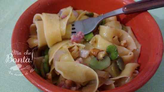 Ricetta: Pappardelle con fave fresche, pancetta e noci