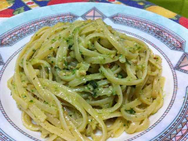 Ricetta: Trenette al pesto di zucchine
