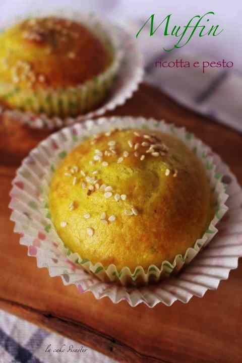 Ricetta: Muffin ricotta, pesto e curcuma