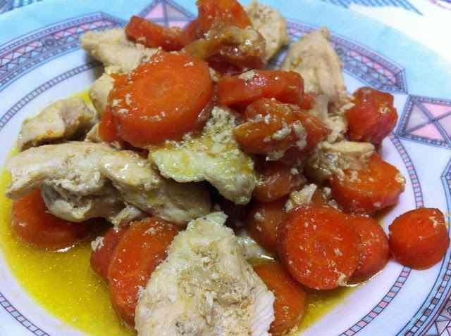 Ricetta: Petto di pollo con carote e curry