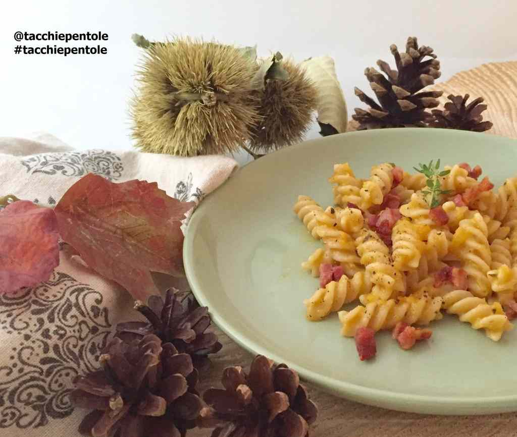 Ricetta: Fusilli con crema di zucca e pancetta aromatizzata alle erbe
