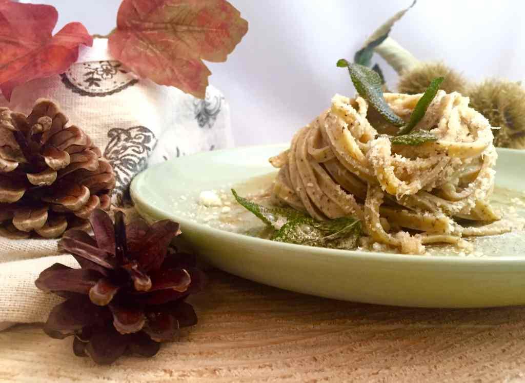Ricetta: Tagliolini di grano saraceno aromatizzati al burro e salvia