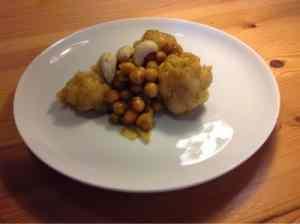 Ricetta: Curry di cavolfiore e ceci con anacardi