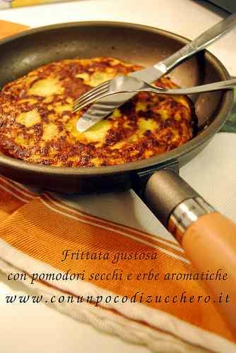 Ricetta: Frittata con pomodori secchi e erbe aromatiche