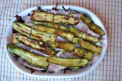 Ricetta: Insalata con trevisana, zucchine grigliate e cotto