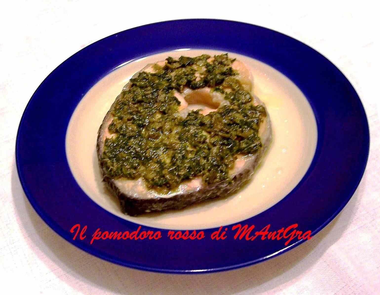 Ricetta: Trancio di salmone con salsa verde ai capperi
