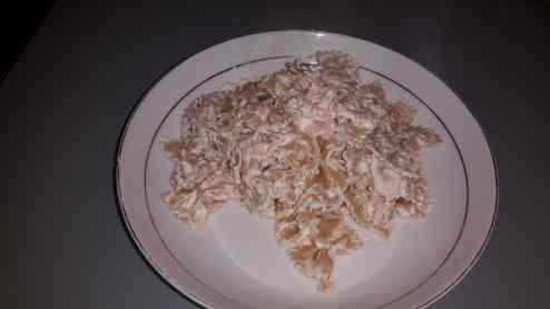 Ricetta: Pasta con crema di feta e salmone