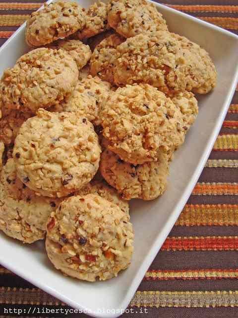 Ricetta: Biscottini con nocciole e chocaviar Venchi / Hazelnuts' biscuits with Venchi chocaviar